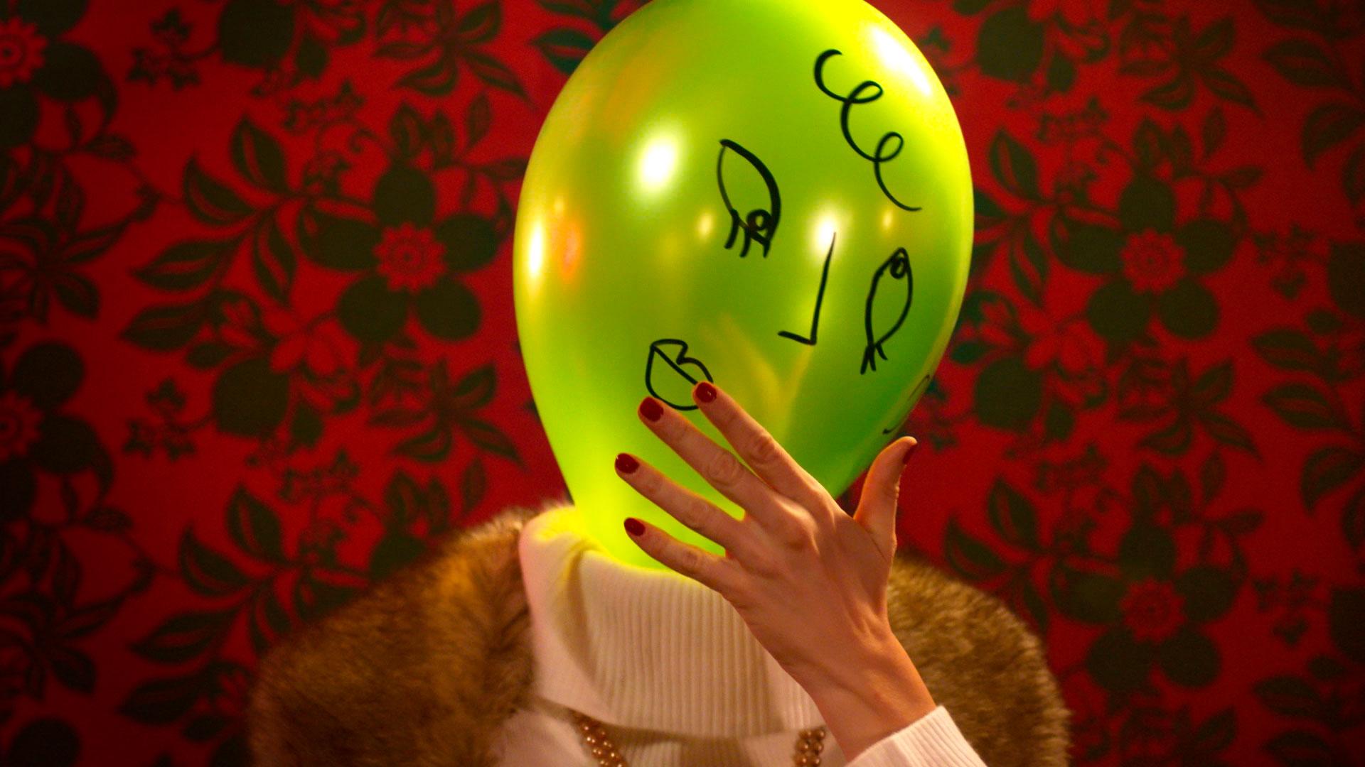 Balloon-Dating_Cyrille-Drevon_Maskarade-Productions_Web_03