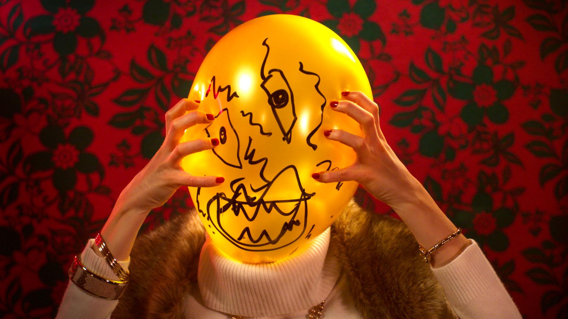 Balloon-Dating_Cyrille-Drevon_Maskarade-Productions_Web_05